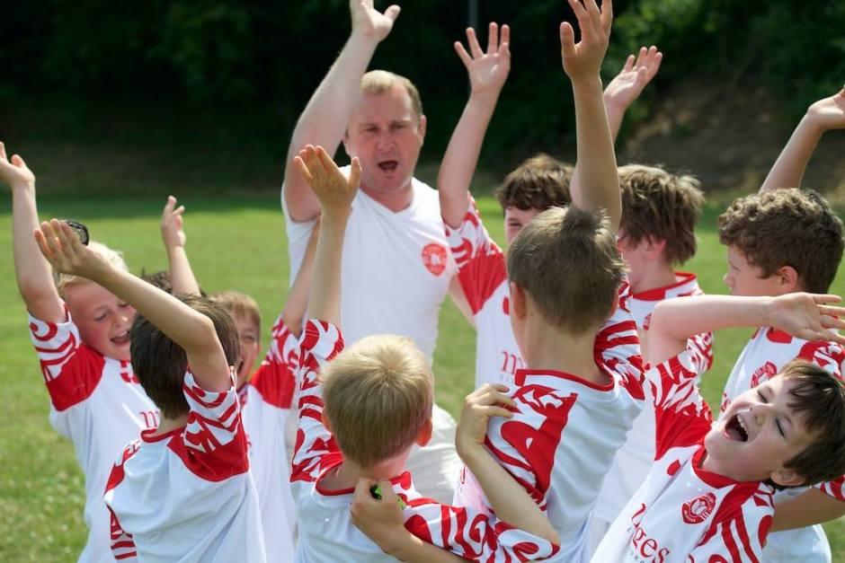 """""""Ne voyant rien arriver d'en haut, nous mettons en application notre propre plan de développement"""", nous dit Vincent Ducros. """"(...) La cible prioritaire est donc tout naturellement les établissements scolaires du district et en particulier les jeunes scolarisés entre 6 et 10 ans"""". Source: AS Rugby Morges"""