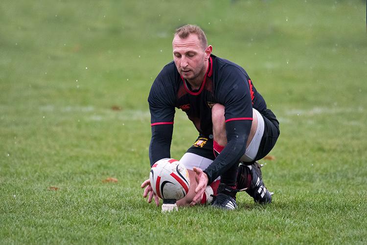 gsjads (n°10 - Stade Lausanne) a offert une avance confortable à son équipe dès les débuts de la rencontre. © Oreste Di Cristino