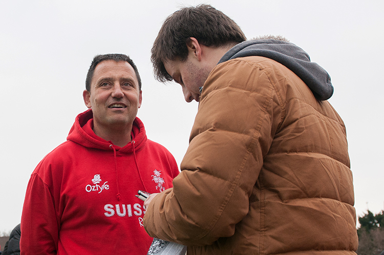 Gil Coquard, entraîneur principal de l'Équipe de Suisse de Rugby en interview.