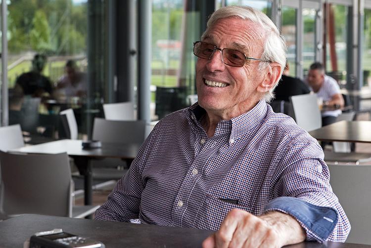 William Grand-Pierre, le sourire aux lèvres pour raconter ses aventures avec l'école de rugby de Genève. © Oreste Di Cristino