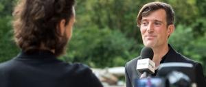 David Payot à l'interview après son discours à la Maison de Quartier de Chailly à Lausanne. © Oreste Di Cristino