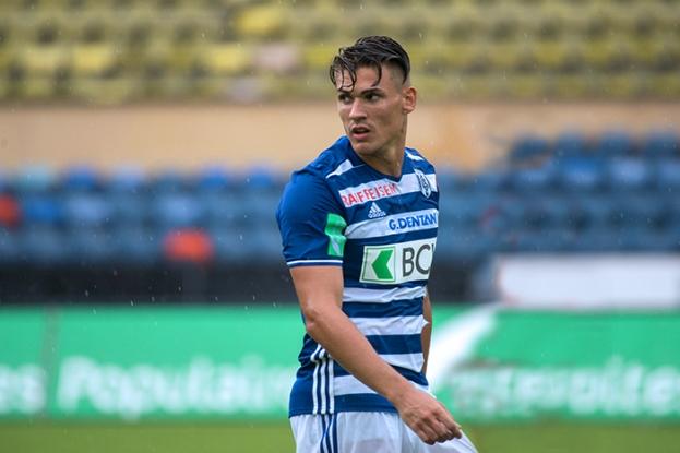 Benjamin Kololli a fêté quelques jours plus tôt sa première sélection avec le Kosovo en Finlande. Ce dimanche, il inscrit un doublé dans la large victoire du Lausanne-Sport face à Vaduz (5-0). © Oreste Di Cristino