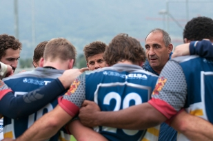 Éric Andreu, entraîneur de GePLO félicite ses joueur en fin de rencontre. © Oreste Di Cristino