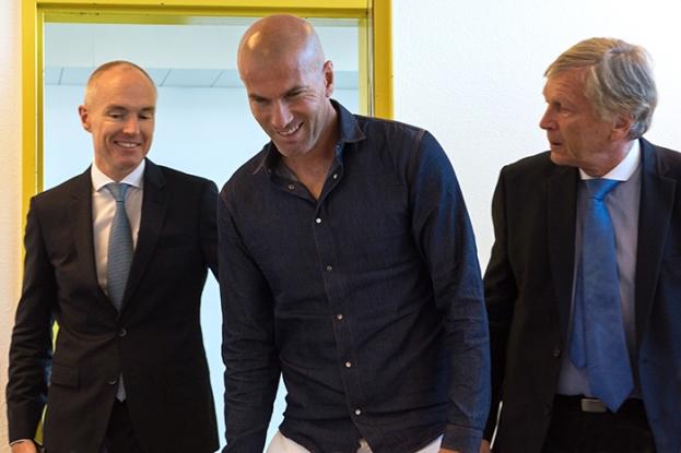 Zinédine Zidane en conférence de presse au Stade de la Pontaise. © Oreste Di Cristino