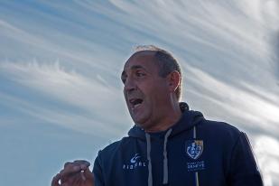 Éric Andreu, entraîneur des Genevois en fin de rencontre. © Oreste Di Cristino