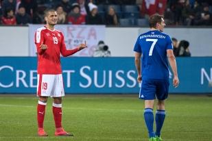 Eren Derdiyok (à gauche) a inscrit le premier but de la Suisse à Lucerne. © Oreste Di Cristino