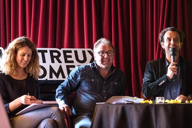 Chloée Coqterre (à gauche), Jean-Luc Barbezat (au centre) et Grégoire Furrer dirigent cette 27e édition du Montreux Comedy Festival. © Oreste Di Cristino