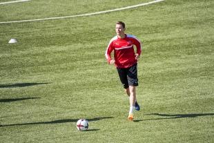 Stephan Lichtsteiner à l'entraînement à Tórshavn. © Oreste Di Cristino / leMultimedia.info