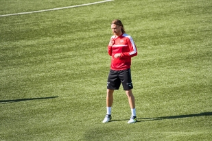 Michael Lang à l'entraînement à Tórshavn. © Oreste Di Cristino / leMultimedia.info