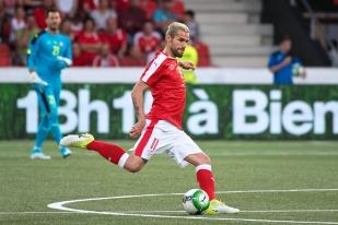 Valon Behrami, qui devait initialement jouer 60 minutes, a loué l'esprit combattif de la jeunesse suisse. © Oreste Di Cristino / leMultimedia.info