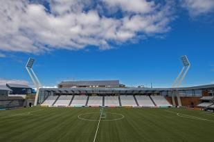 Le terrain du stade Tórsvøllur. © Oreste Di Cristino / leMultimedia.info