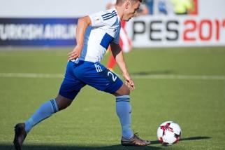 Jónas Tór Næs a célébré sa 50e sélection en équipe nationale avec les Îles Féroé. © Oreste Di Cristino / leMultimedia.info