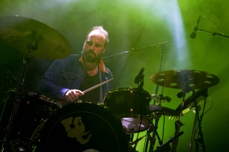 ...et Baptiste Brondy aux percussions forment le trio Delgrès. © Oreste Di Cristino / leMultimedia.info