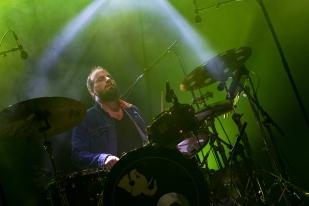 Baptiste Brondy à la batterie au 42e Paléo Festival Nyon. © Oreste Di Cristino / leMultimedia.info