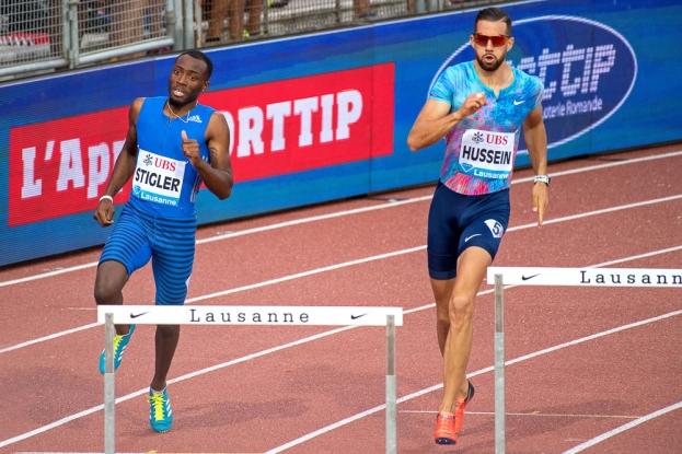 Kariem Hussein a coiffé ses opposant aux 400 mètres haies masculins. Il termine premier de l'épreuve à Lausanne. © Oreste Di Cristino / leMultimedia.info