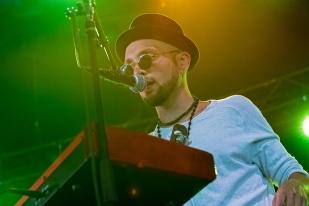 Anthony Hocquart au clavier au 42e Paléo Festival Nyon. © Oreste Di Cristino / leMultimedia.info