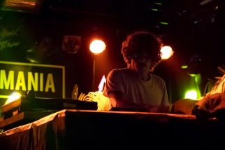 """James Darle au """"Lisztomania"""". La danse prit forme avec le set du membre indéfectible des """"Salut C'est Cool"""". © Oreste Di Cristino / leMultimedia.info"""
