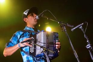 Le chanteur et accordéoniste du groupe, Hernan Cortés. © Oreste Di Cristino / leMultimedia.info