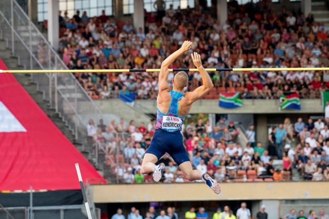 Sam Kendricks passe la barre des 5,93 mètres à Lausanne. © Oreste Di Cristino / leMultimedia.info