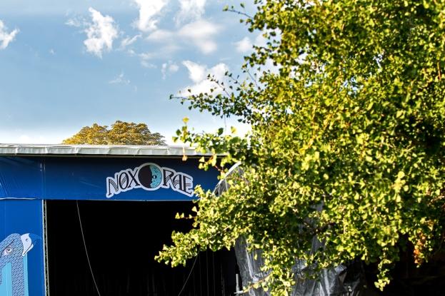 Sur le site du Nox Orae à la Tour-de-Peilz. Le haut de l'unique scène du festival. © Oreste Di Cristino / leMultimedia.info