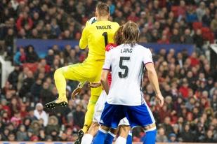 Tomas Vaclik a opéré quelques très bons arrêts. Malheureusement pas assez pour stopper Manchester United. © Oreste Di Cristino / leMultimedia.info