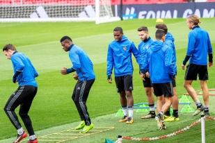 Entraînement technique lundi après-midi à Old Trafford pour le FC Bâle. © Oreste Di Cristino / leMultimedia.info