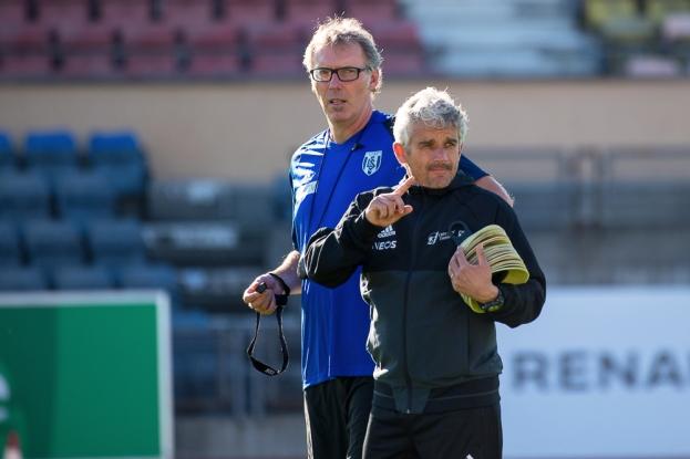 Laurent Blanc a été assisté pour son entraînement par l'ancien adjoint de Fabio Celestini au FC Lausanne-Sport, Jean-Yves Aymon. © leMultimedia.info / Oreste Di Cristino