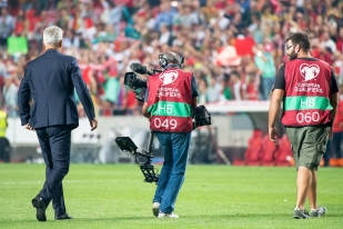 Vladimir Petkovic quitte la pelouse du Stade de la Luz à Lisbonne. Son destin se poursuivra en novembre avec l'Équipe de Suisse. © leMultimedia.info / Oreste Di Cristino
