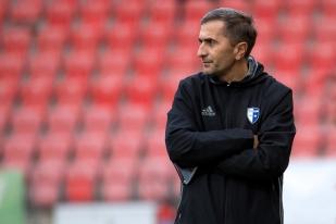 L'entraîneur du FC Wohlen, Ranko Jakoljevic, constate l'écart technique entre ses joueurs et ceux de Neuchâtel Xamax FCS à la Maladière. © leMultimedia.info / Oreste Di Cristino
