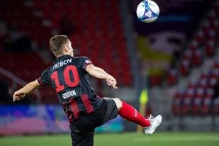 Charles-André Doudin a permis, par deux assists pour Nuzzolo, à Xamax de l'emporter dimanche soir au Stade de la Maladière. © leMultimedia.info / Oreste Di Cristino