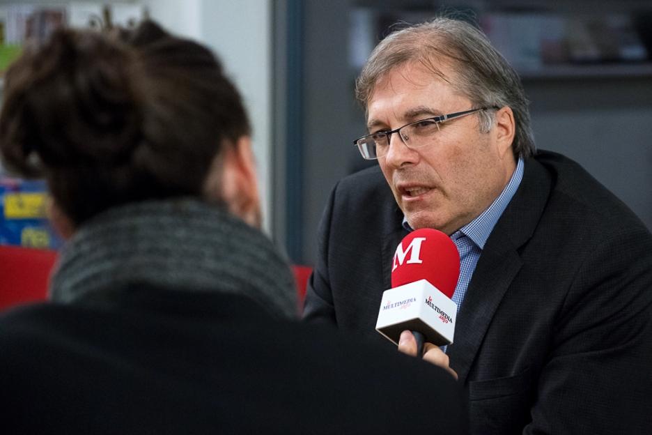 Jean-Michel Cina s'est ensuite confié aux questions et sollicitations de leMultimedia.info. © leMultimedia.info / Oreste Di Cristino