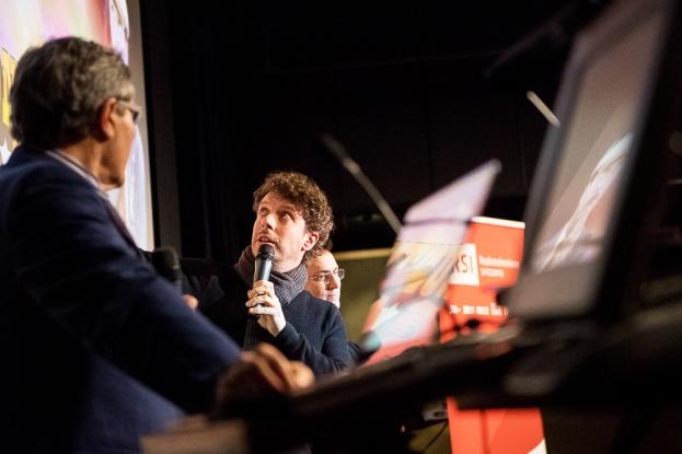 """Flavio Sala, protagoniste de """"Frontaliers Disaster"""" raconte son parcours, du théâtre à la coopération avec la RSI. © leMultimedia.info / Oreste Di Cristino"""