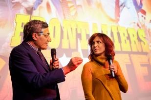 Maurizio Canetta introduit la touche française du film: Barbara Buracchio (qui joue le rôle d'Amélie, la fiancée du douanier Bernasconi). © leMultimedia.info / Oreste Di Cristino