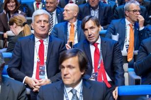 ...accompagné par son adjoint, Antonio Manicone (à droite). © leMultimedia.info / Oreste Di Cristino