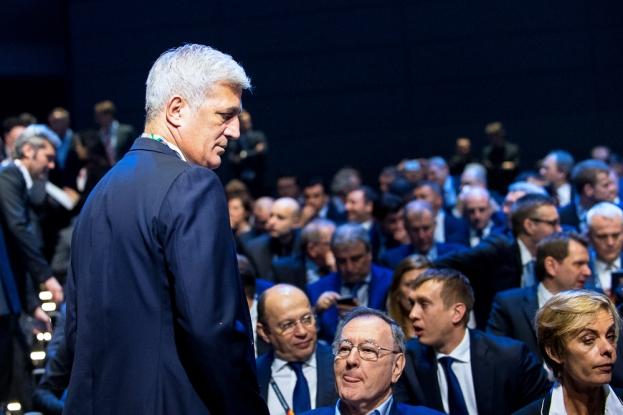 Vladimir Petkovic prend place dans l'assistance au SwissTech Convention Center... © leMultimedia.info / Oreste Di Cristino