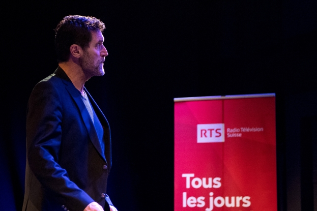Massimo Lorenzi, rédacteur en chef des sports de la RTS, est dans l'ombre du scrutin du 4 mars. © leMultimedia.info / Yves Di Cristino