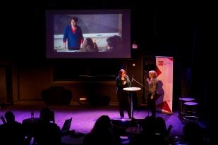 Ursula Meier, cinéaste et Françoise Mayor Genevay, cheffe des fictions à la RTS lors de la conférence de presse au studio 15. © leMultimedia.info / Yves Di Cristino