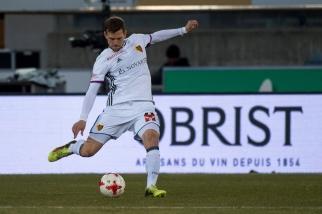 Fabian Frei trouve sa place dans une défense à trois au sein du FC Bâle, club qu'il a retrouvé à l'intersaison. © leMultimedia.info / Oreste Di Cristino