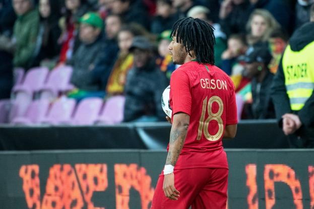 Une des bonne performances de la soirée: le jeune du Sporting Lisbonne Gelson Martins a fait une entrée remarquée au Stade de Genève. © leMultimedia.info / Oreste Di Cristino