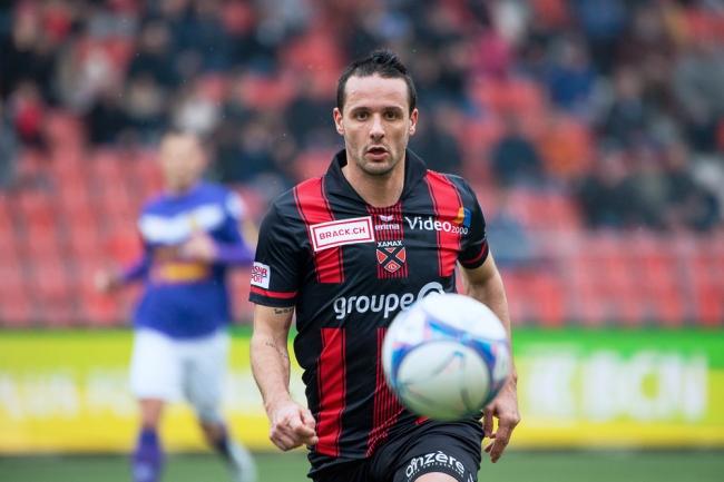 Raphaël Nuzzolo a, à nouveau, sauvé le résultat pour Neuchâtel Xamax FCS. Le numéro 14 a inscrit le 1-0 sur Pénalty à la 34e minute de jeu. © leMultimedia.info / Oreste Di Cristino
