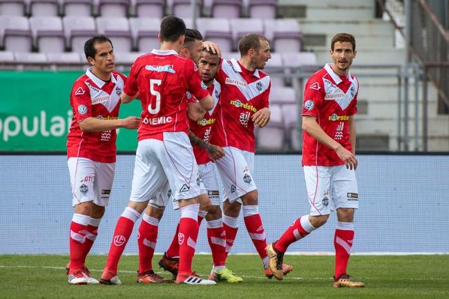 Le FC Lugano aurait pu parfaitement prétendre à la victoire aux Plaines-du-Loup. Les hommes de Pier Tami ont pourant manqué de réalisme. © leMultimedia.info / Oreste Di Cristino
