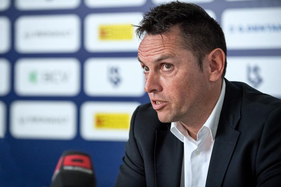 Pablo Iglesias et la direction du FC Lausanne-Sport ont pris une décision difficile (mais juste) en écartant Fabio Celestini de l'équipe première. © leMultimedia.info / Yves Di Cristino
