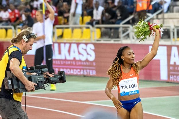 """L'Ivoirienne Marie-Josée Ta Lou a dominé la course en 10""""85 secondes, ce qui constitue le meilleur résultat personnel de sa carrière. © leMultimedia.info / Oreste Di Cristino"""
