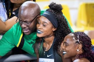 """Elaine Thompson a profité du moment au Qatar Sports Club Stadium de Doha. La Jamaïcaine s'est classée 3e des 100 mètres en 10""""93. © leMultimedia.info / Oreste Di Cristino"""