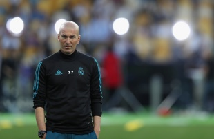 KIEV, UKRAINE - MAY 25: Head Coach Zinedine Zidane watches his players during the Real Madrid Training Session during the UEFA Champions League final between Real Madrid and Liverpool on May 25, 2018 in Kiev, Ukraine. (Photo by Christopher Lee - UEFA/UEFA via Getty Images) *** Local Caption *** Zinedine Zidane