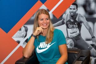 Dafne Schippers était souriante à quelque 24 heures du premier meeting de la Diamond League à Doha. Elle se testera pour sa première sortie de la saison en plein air. © leMultimedia.info / Oreste Di Cristino