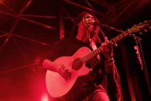 Yannick Nanette: « L'idée c'est d'aller vers les gens. La musique n'est qu'un prétexte pour aller vers eux, pour la musique. » © leMultimedia.info / Oreste Di Cristino