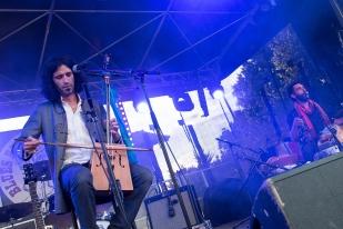 ... le duo de Youri Defrance a même suscité la curiosité des bluesmen venus droit d'Amérique. © leMultimedia.info / Oreste Di Cristino