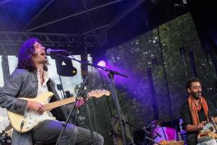 C'est en écoutant Kurt Cobain et Jimmy Hendrix que Youri a gratté pour la première fois sa guitare. © leMultimedia.info / Oreste Di Cristino