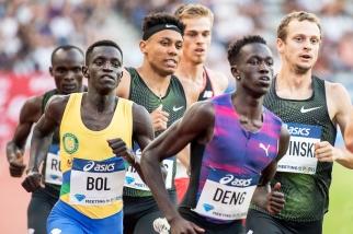 """Peter Bol (à gauche) et Joseph Deng sont deux réfugiés soudanais qui ont reçu la nationalité australienne. Ils apparaissent tels de formidables talents prometteurs planétaires. Et pour cause, il bénéficient du soutien de leur agent, celui du recordman du monde kényan David Rudisha. Ils ont tous les deux battus leurs PB à la Diamond League de Stockholm le 10 juin dernier (en 1'44""""56 et """"61)."""
